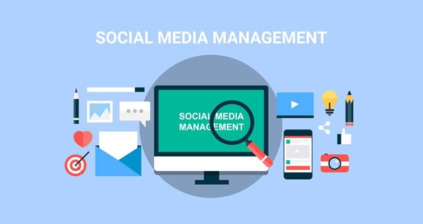 #4-socal-media-manager